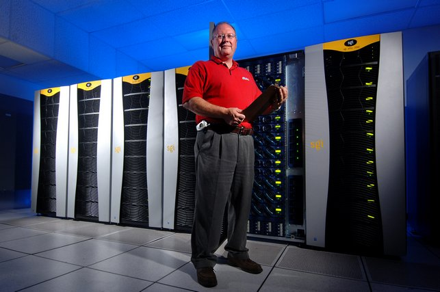 UM Systems Administrator Ron Kitchens with Redwood, MCSR's Altix 3700 Supercomputer
